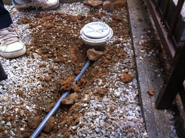豊橋市 給湯器 交換工事 施工中