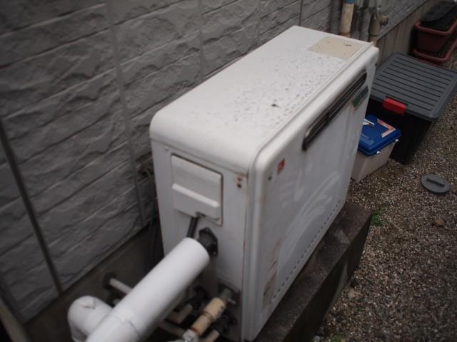 名古屋市北区 ガス給湯器 交換工事 施工前