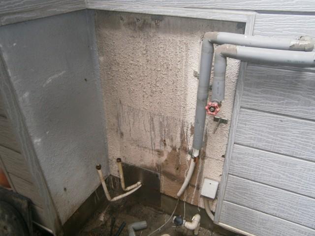 名古屋市西区 給湯器取替交換工事 撤去後