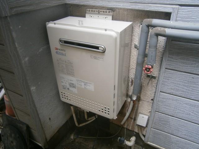 名古屋市西区 給湯器取替交換工事 施工中