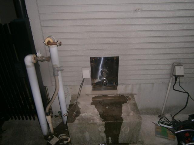 名古屋市昭和区 給湯器取替工事 撤去後